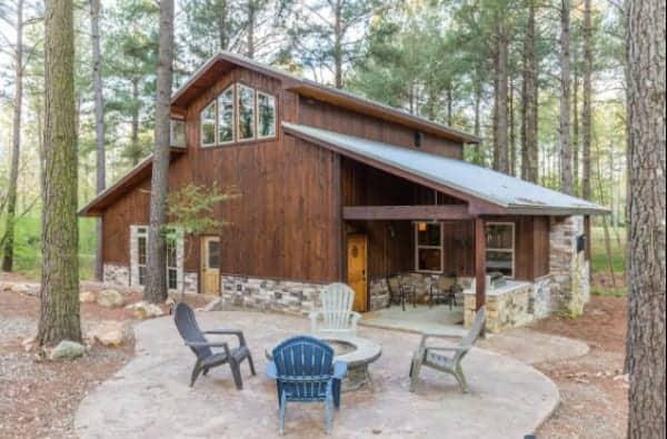 Broken Bow cabin