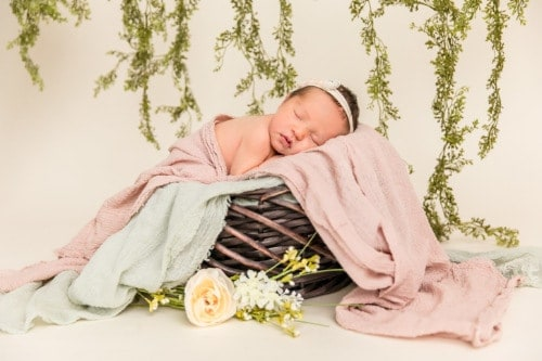 Newborn Session near me