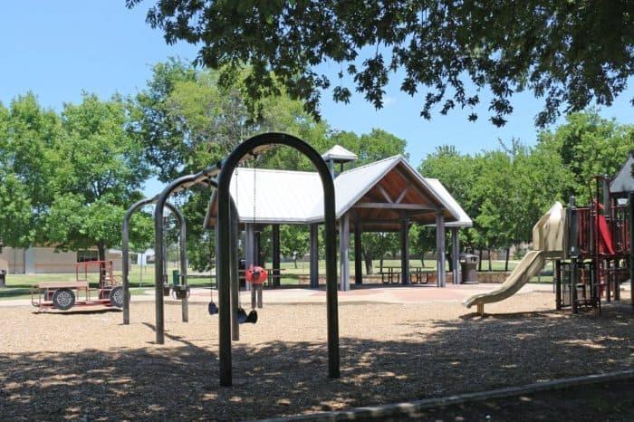 W H Buzz Razor Park e1611357298901