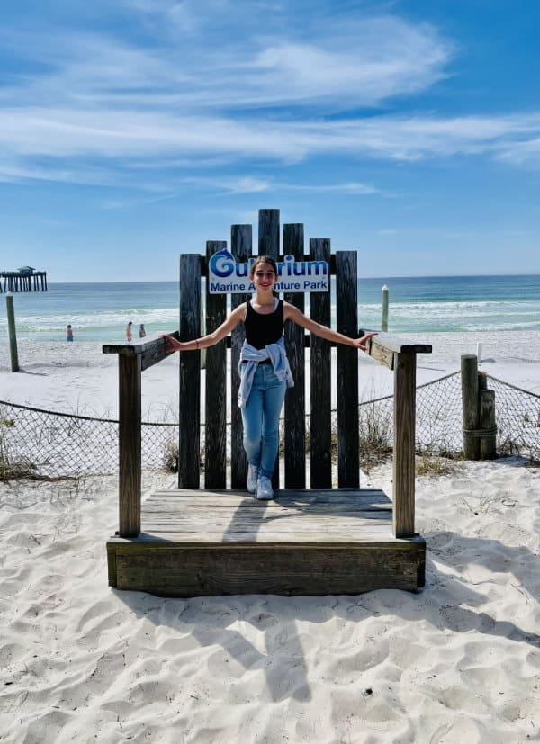 Girl at Gulfarium Destin Florida