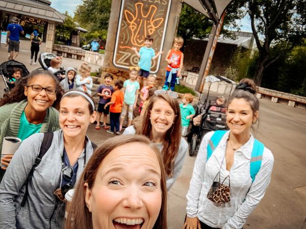 Moms at the Dallas Zoo